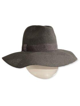 CC:Christensen - Hat 1