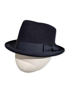 CC:Christensen - Hat 6