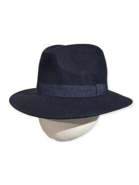 CC:Christensen - Hat 8