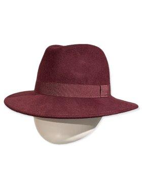 CC:Christensen - Hat 9