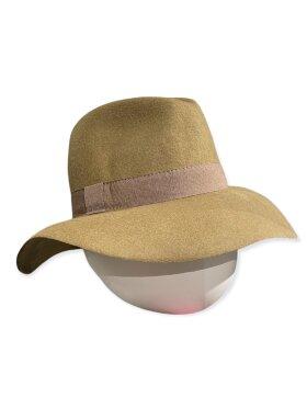 CC:Christensen - Hat 10